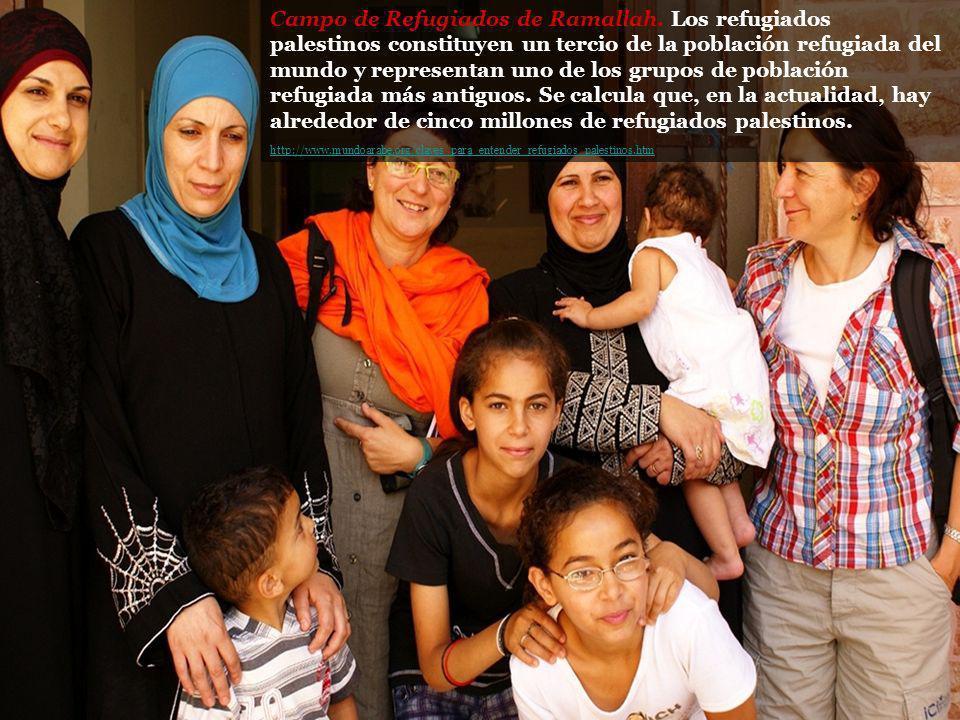 Campo de Refugiados de Ramallah. Los refugiados palestinos constituyen un tercio de la población refugiada del mundo y representan uno de los grupos d