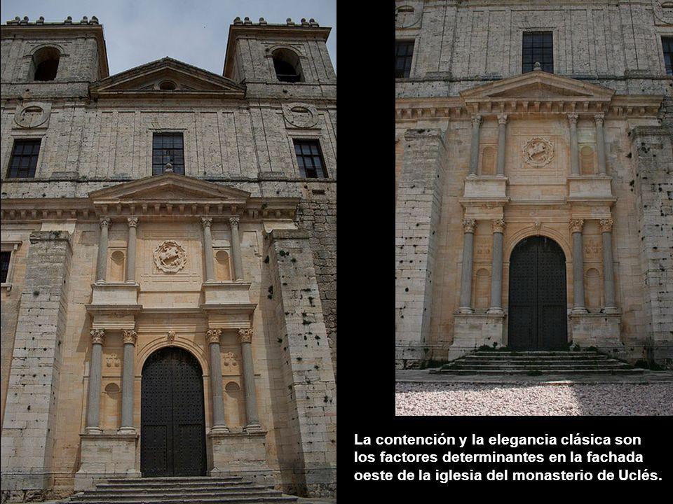 Se atribuyen también a Francisco de Mora las dos fachadas de la iglesia, norte y oeste. Ambas se estructuran en dos cuerpos con columnas pareadas sobr