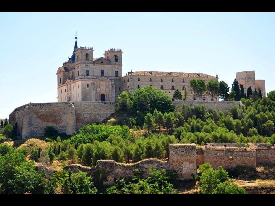 El monasterio de Santiago en Uclés fue la casa madre de la orden de Santiago en España. Fueron sin embargo los musulmanes quienes construyeron durante
