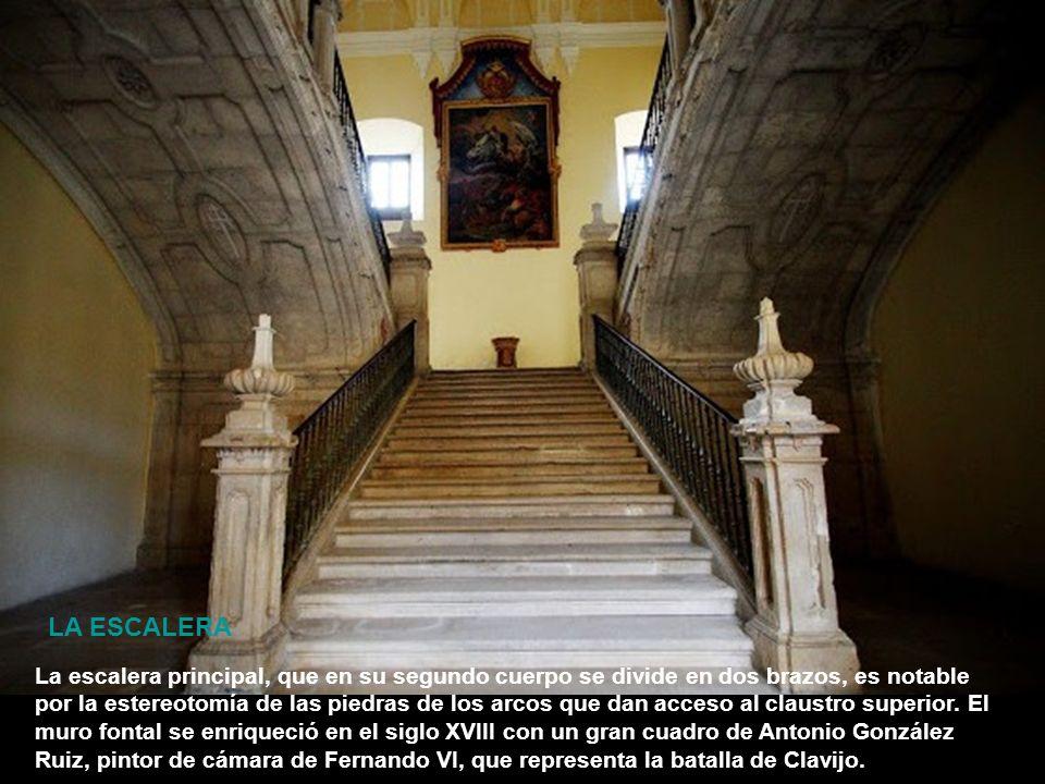 Llama la atención el casetón correspondiente al maestre don Alvaro de Luna, decapitado por orden de su rey Juan II en 1452, cuyo rostro ha sido sustit