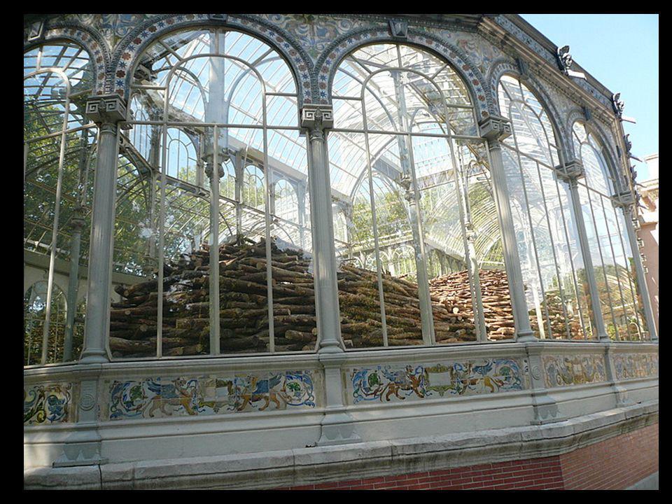 Acabada la exposición el gobierno decidió conservar el palacio y ha llegado hasta nuestros días como el edificio más bello del Retiro. En la actualida