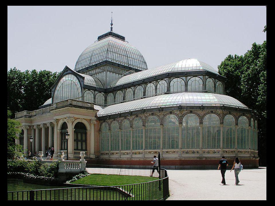 Acabada la exposición el gobierno decidió conservar el palacio y ha llegado hasta nuestros días como el edificio más bello del Retiro.