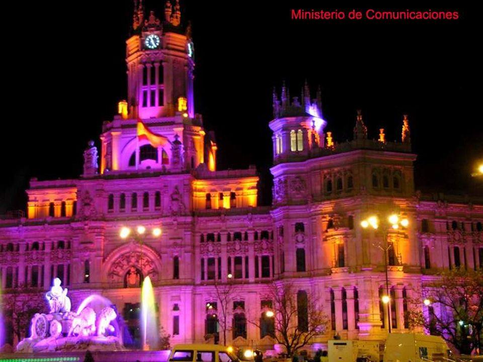 Palacio de Comunicaciones – Torre del Reloj
