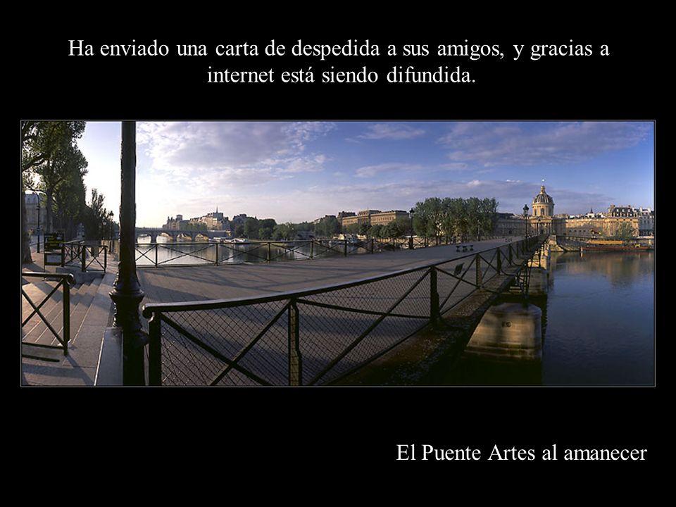 Luminaria de Notre Dame Gabriel García Márquez se ha retirado de la vida pública por razones de Salud: cáncer linfático.