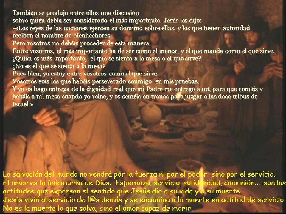Llegada la hora, Jesús se puso a la mesa con sus discípulos Y les dijo: «¡Cuánto he deseado celebrar esta pascua con vosotros, antes de morir!.