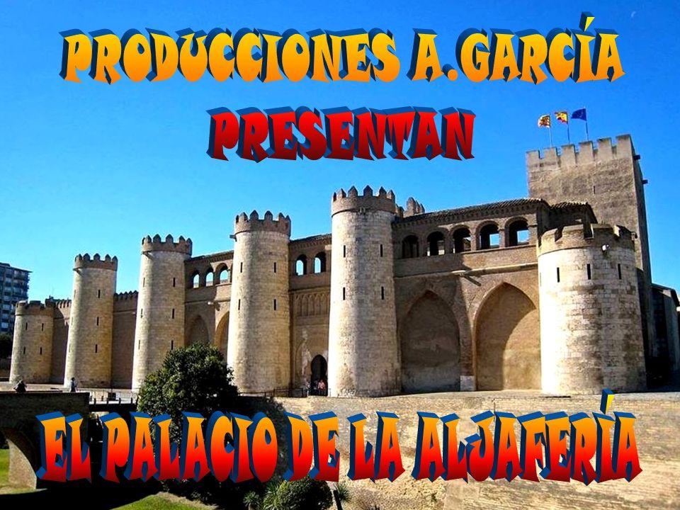 ACCESO AL SALÓN DORADO