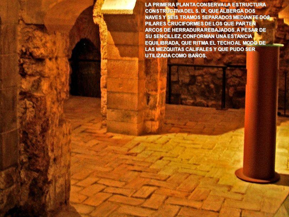 www.vitanoblepowerpoints.net LA TORRE MANTIENE VESTIGIOS DEL ARRANQUE DE LOS GRUESOS MUROS DE APAREJO DE SILLERÍA DE ALABASTRO EN SU PARTE INFERIOR, Y CONTINUABA CON OTROS DE ENCOFRADO DE HORMIGÓN SIMPLE DE YESO Y CAL, ALGO MÁS DELGADOS AL GANAR EN ALTURA.