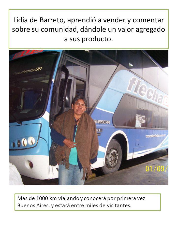 Lidia de Barreto, aprendió a vender y comentar sobre su comunidad, dándole un valor agregado a sus producto.