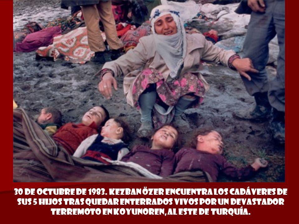 18 de septiembre de 1982. Masacre de palestinos perpetrada por las fuerzas falangistas en el campo de refugiados de Sabra y Shatila, Líbano.