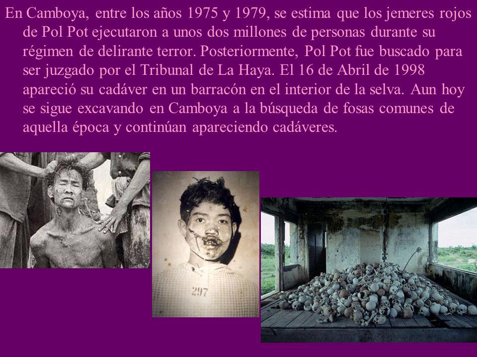 2. LOS GENOCIDIOS El genocidio es el exterminio sistemático de un grupo de personas por motivos religiosos, raciales, políticos, etc.,. En el siglo XX