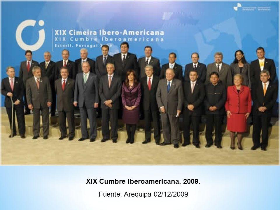 Ministros y altos funcionarios de países de la OCDE tras el encuentro celebrado en París.