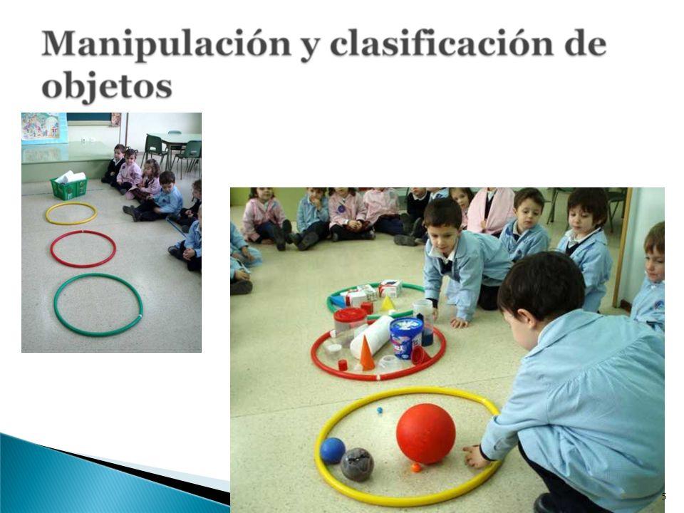 Como actividad previa a la elaboración del gran cuadro, en clase en grupos pequeños (5 o 6 niños), les dejamos que realicen composiciones con los círculos sobre una cartulina.