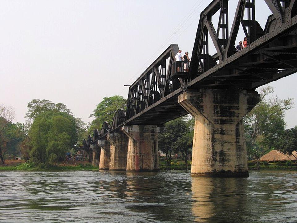 La necesidad de construir un cruce sobre el río Kwai Yai, en el norte del lugar Kanczanaburi llamado Tha Makkham, fue uno de los mayores obstáculos en la construcción del ferrocarril tailand-birmano.