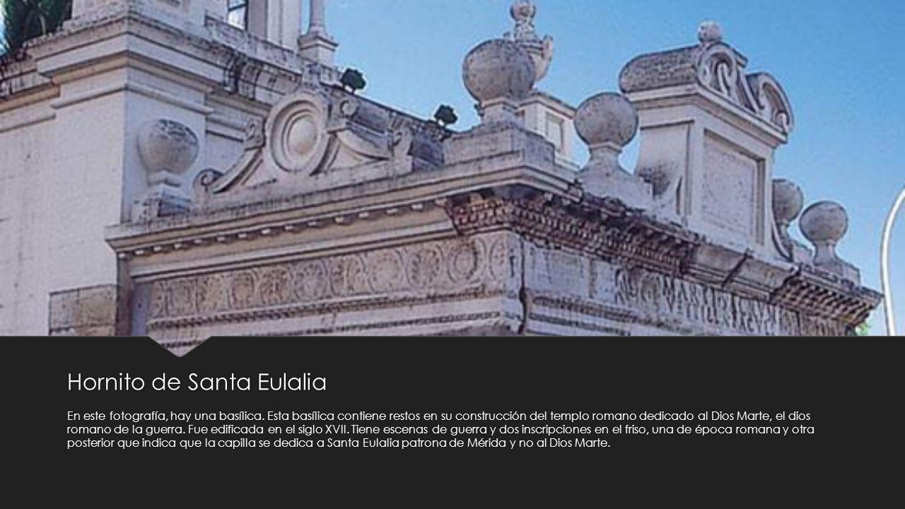 Hornito de Santa Eulalia En este fotografía, hay una basílica. Esta basílica contiene restos en su construcción del templo romano dedicado al Dios Mar