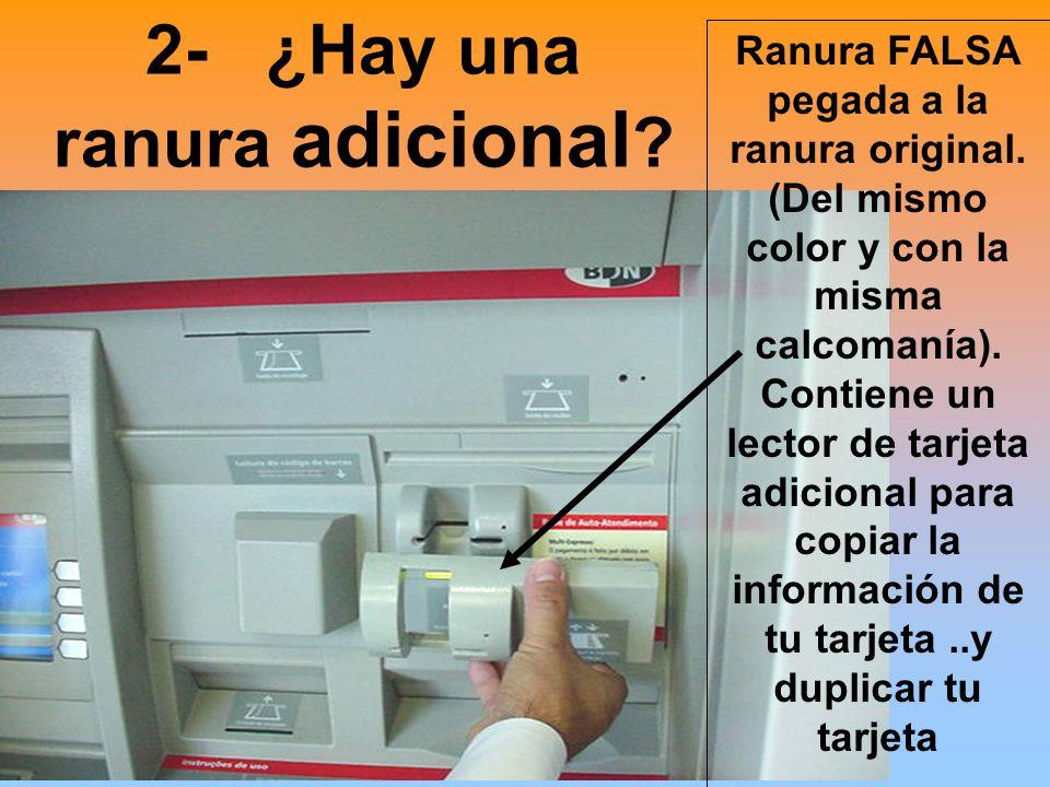 3- Un monitor y dispensador de folletos en un lado... aparentemente nada malo