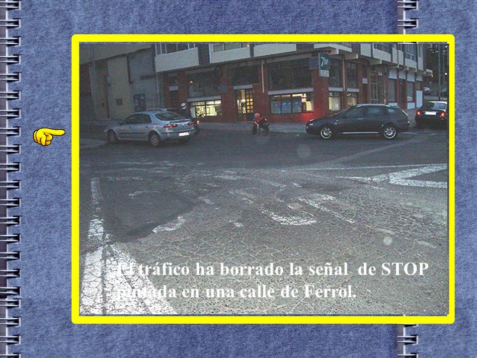 Para ahorrar el poste, que hay crisis... En Alicante