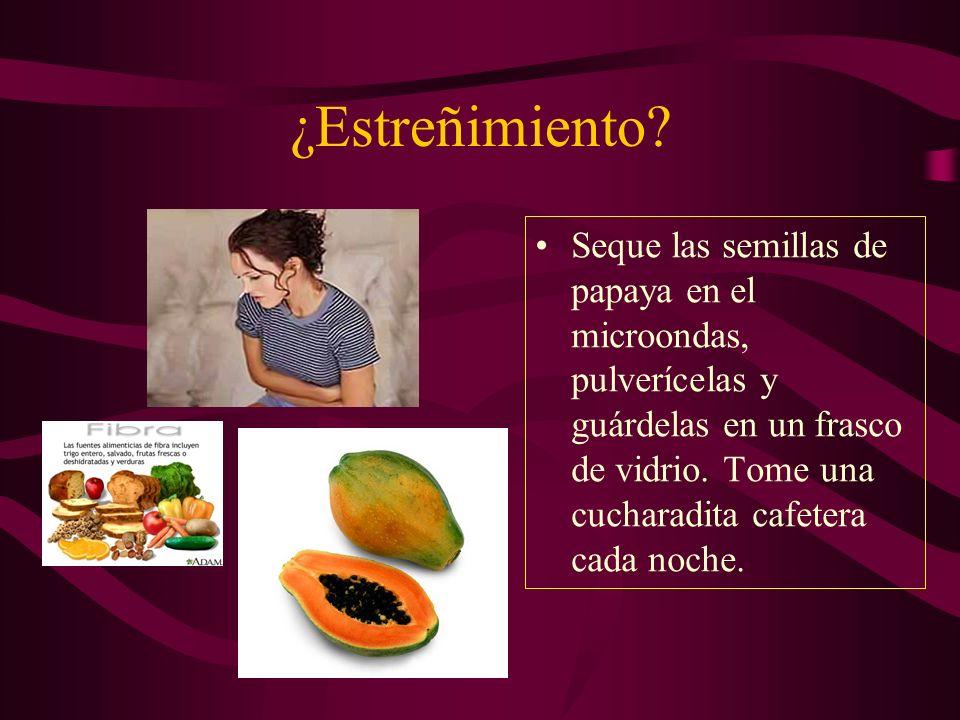 ¿Estreñimiento? Seque las semillas de papaya en el microondas, pulverícelas y guárdelas en un frasco de vidrio. Tome una cucharadita cafetera cada noc