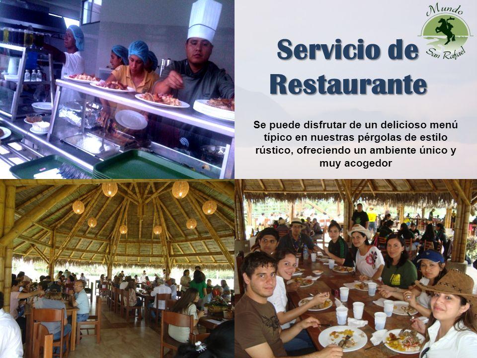 Servicio de Restaurante 4 Se puede disfrutar de un delicioso menú típico en nuestras pérgolas de estilo rústico, ofreciendo un ambiente único y muy acogedor