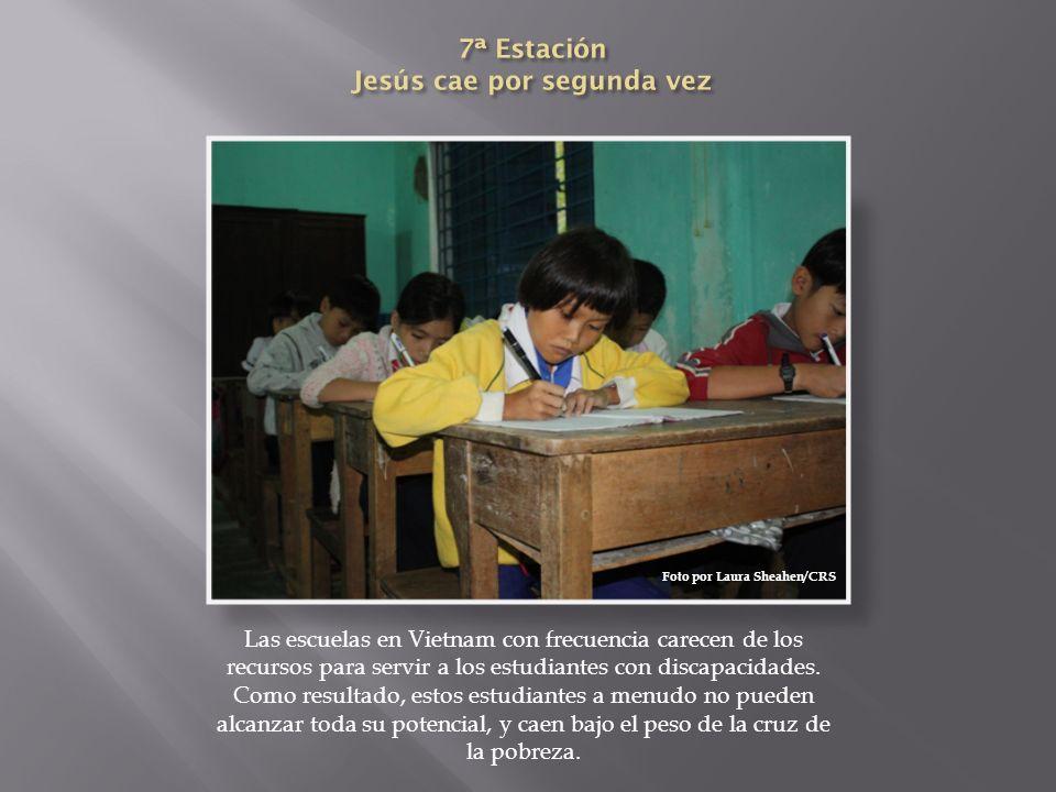 Las escuelas en Vietnam con frecuencia carecen de los recursos para servir a los estudiantes con discapacidades. Como resultado, estos estudiantes a m