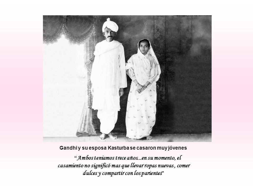 He tomado sobre mis espaldas el monopolio de mejorar sólo a una persona, esa persona soy yo mismo y sé, cuán difícil es conseguirlo. MOHANDAS KARAMCHAND (MAHATMA) GANDHI (1869 - 1948) Líder político religioso hindú cuyas enseñanzas inspiraron los movimientos pacifistas del mundo.