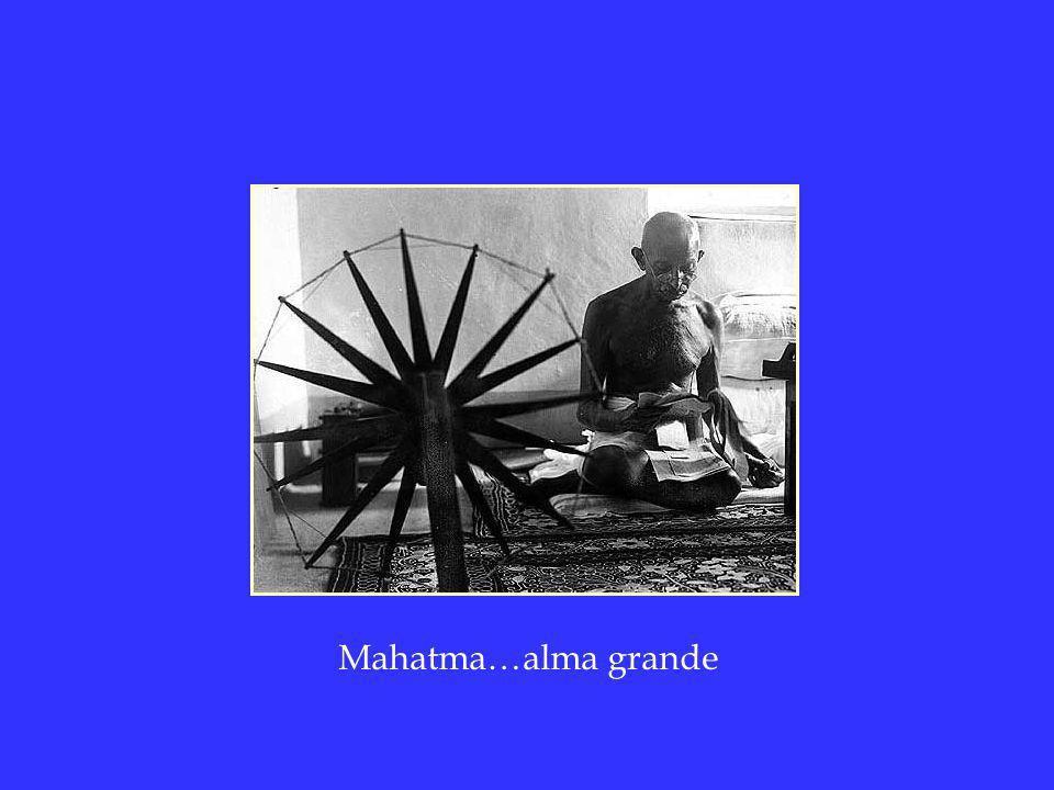 60 aniversario de su muerte física MOHANDAS KARAMCHAND GANDHI Mahatma Gandhi Nace en 1869, Muere asesinado a los 78 años de edad el 30 de Enero de 1.948