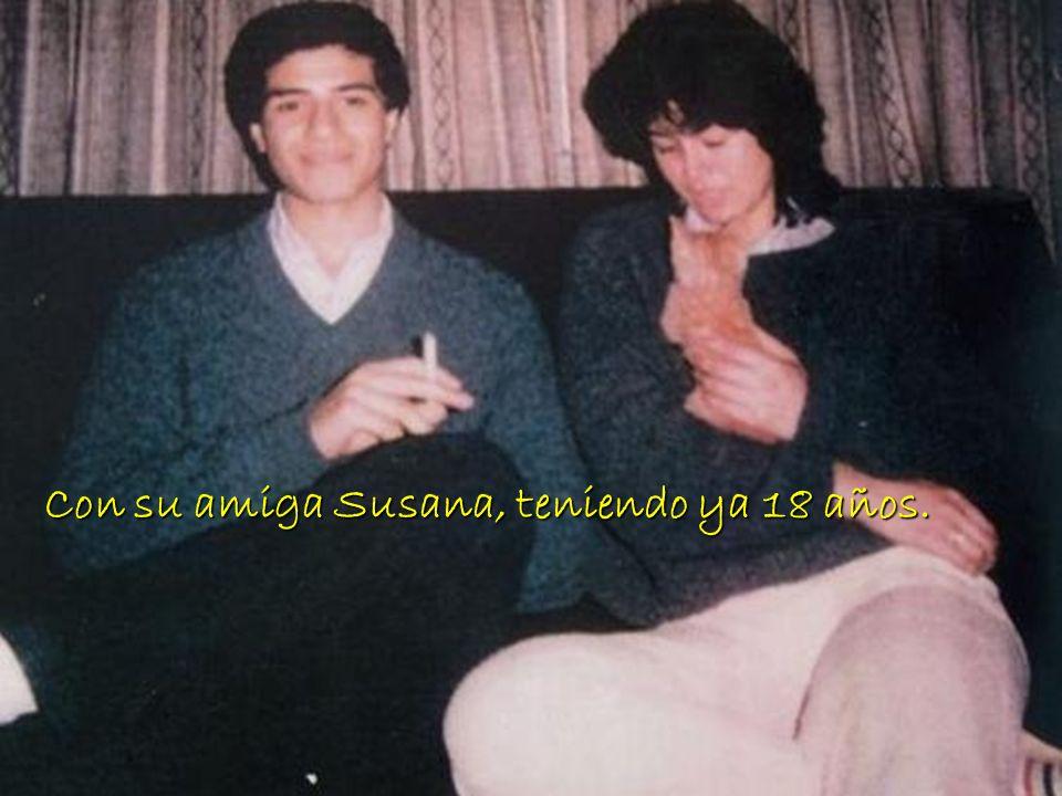 foto Con su amiga Susana, teniendo ya 18 años.