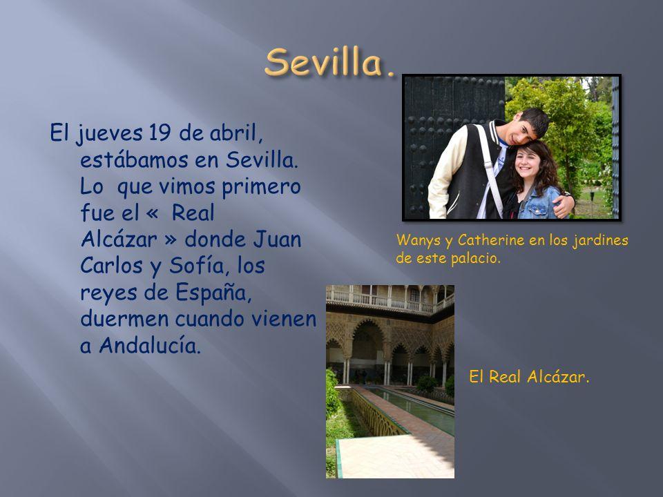 Loreileï, Shannon, Catherine, Mathilde y Wanys. El interior El interior del Real Alcázar de Sevilla