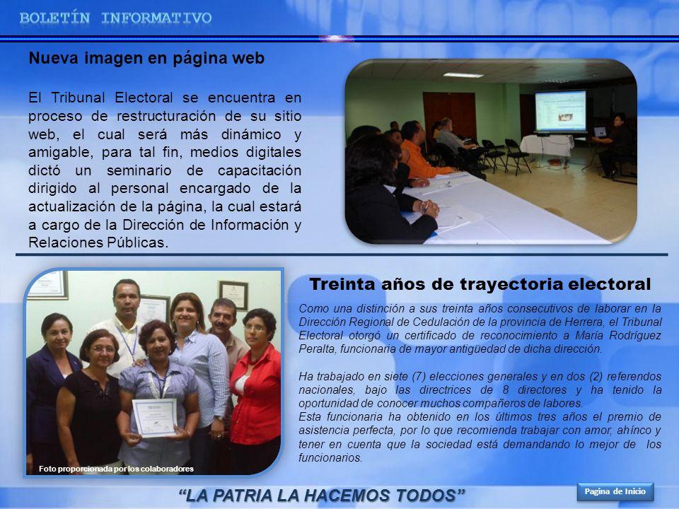 Como una distinción a sus treinta años consecutivos de laborar en la Dirección Regional de Cedulación de la provincia de Herrera, el Tribunal Electora
