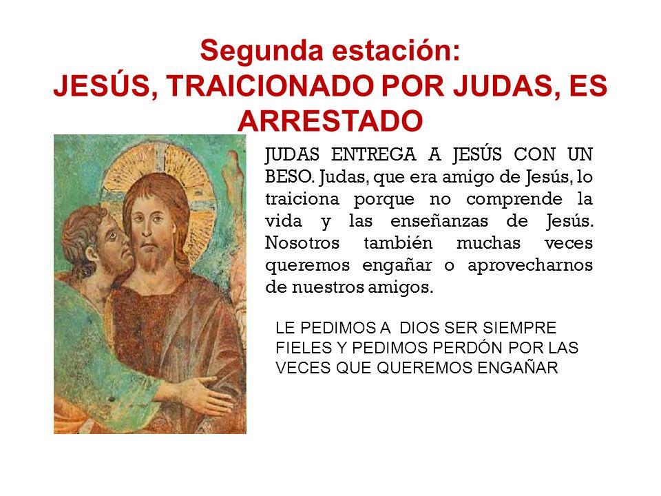 Primera estación: JESÚS EN EL HUERTO DE GETSEMANÍ JESÚS REZA EN EL HUERTO DE GETSEMANÍ. Le pide a su Padre Dios que le evite la muerte. Pero sabe que