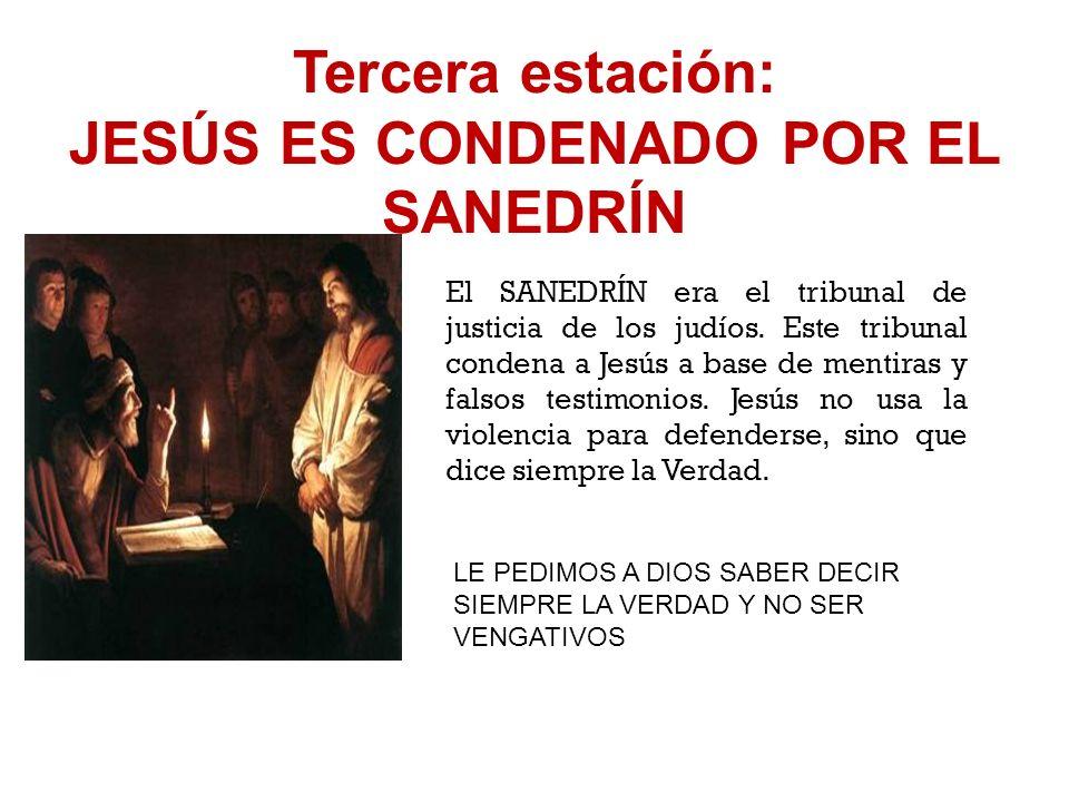 Segunda estación: JESÚS, TRAICIONADO POR JUDAS, ES ARRESTADO JUDAS ENTREGA A JESÚS CON UN BESO. Judas, que era amigo de Jesús, lo traiciona porque no