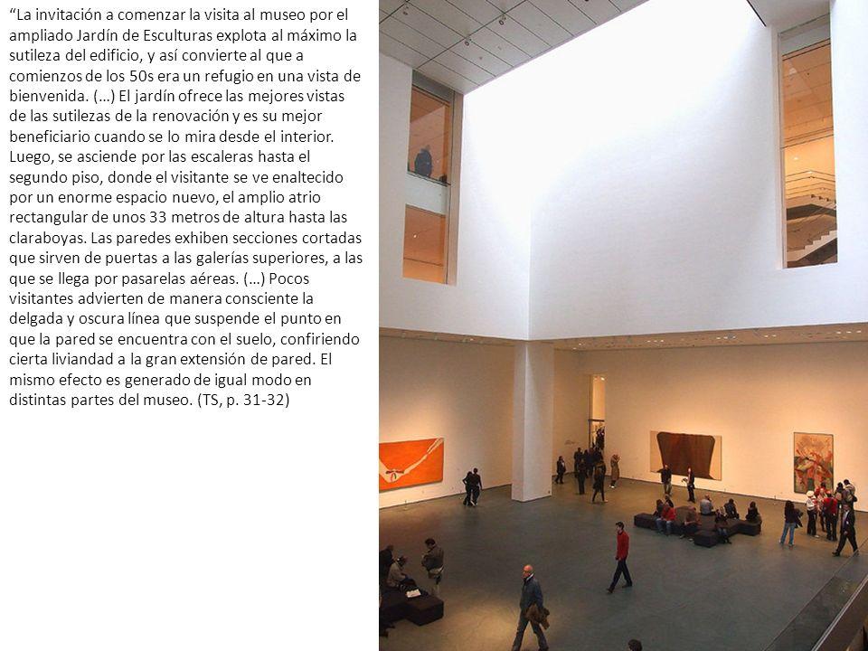 La invitación a comenzar la visita al museo por el ampliado Jardín de Esculturas explota al máximo la sutileza del edificio, y así convierte al que a