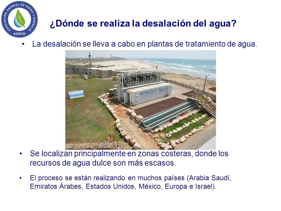 ¿Dónde se realiza la desalación del agua? La desalación se lleva a cabo en plantas de tratamiento de agua. Se localizan principalmente en zonas coster