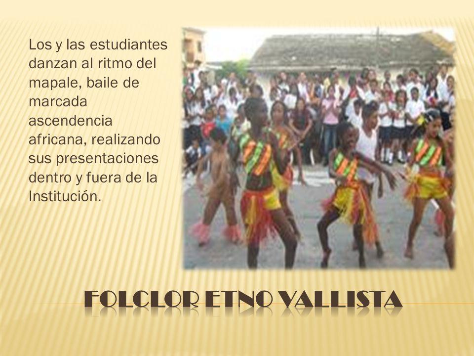 Los y las estudiantes danzan al ritmo del mapale, baile de marcada ascendencia africana, realizando sus presentaciones dentro y fuera de la Institució