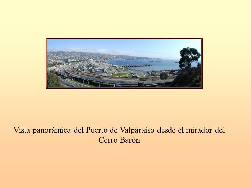 Vista panorámica del Puerto de Valparaíso desde el mirador del Cerro Barón