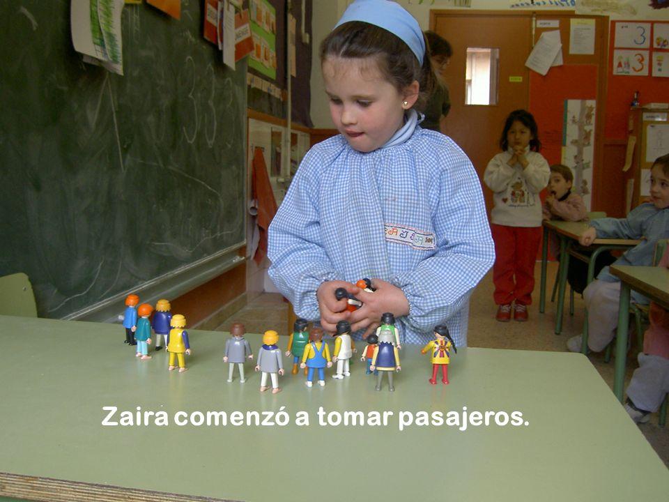 Zaira comenzó a tomar pasajeros.
