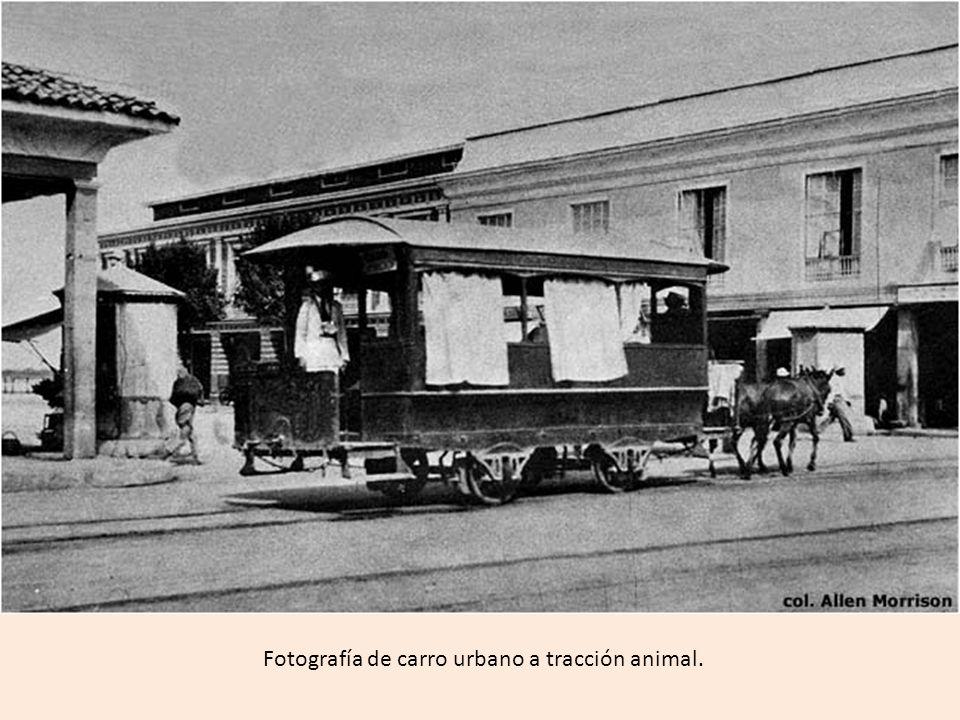 Fotografía de carro urbano a tracción animal.