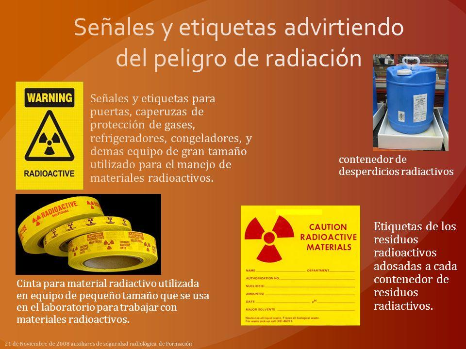 contenedor de desperdicios radiactivos Etiquetas de los residuos radioactivos adosadas a cada contenedor de residuos radiactivos. Cinta para material