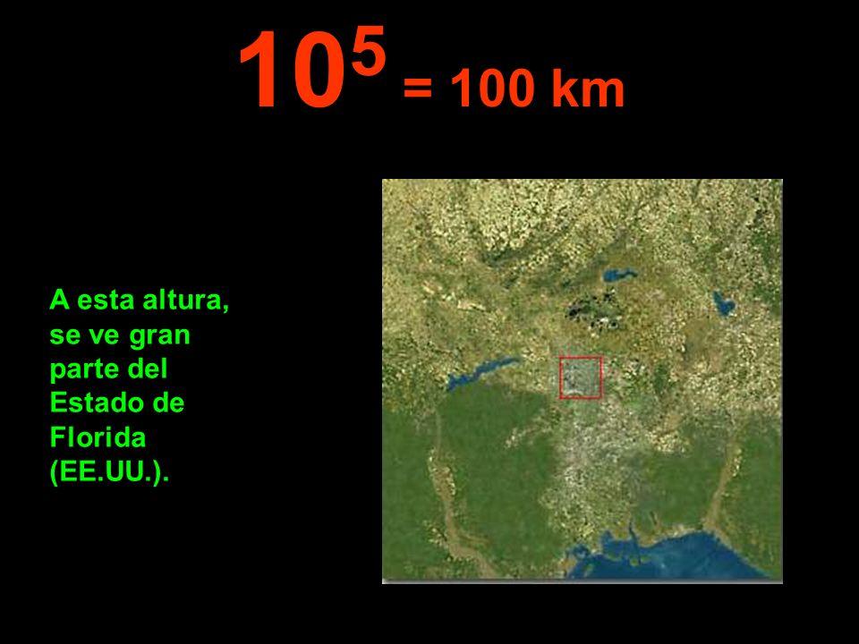 A esta altura, se ve gran parte del Estado de Florida (EE.UU.). 10 5 = 100 km