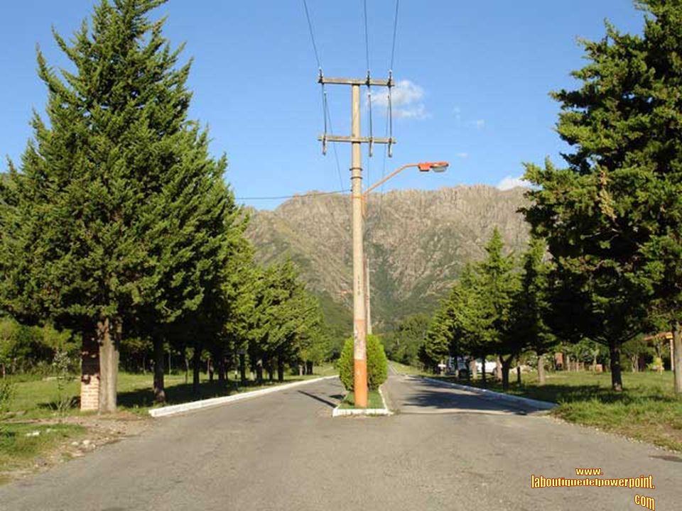 CORTADERAS Es una pequeña población ubicada sobre el faldeo de las Sierras Comechingones. El clima es muy agradable con noches frescas y diáfanas. Sus
