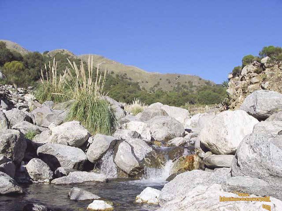 CORTADERAS Es una pequeña población ubicada sobre el faldeo de las Sierras Comechingones.