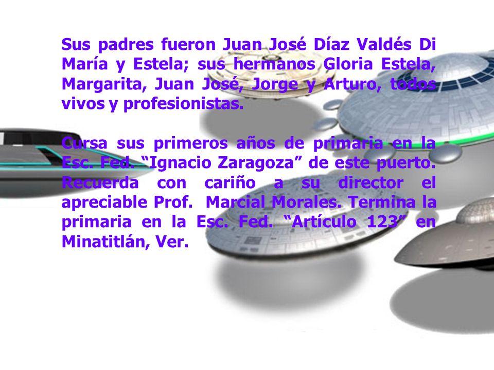 Sus padres fueron Juan José Díaz Valdés Di María y Estela; sus hermanos Gloria Estela, Margarita, Juan José, Jorge y Arturo, todos vivos y profesionis