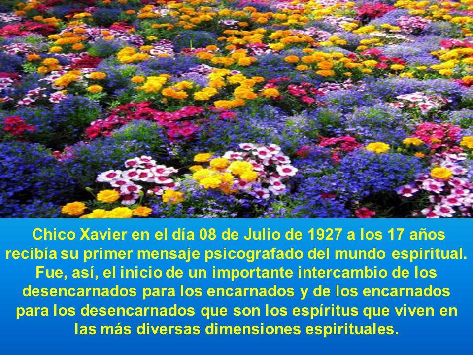 Chico Xavier en el día 08 de Julio de 1927 a los 17 años recibía su primer mensaje psicografado del mundo espiritual.