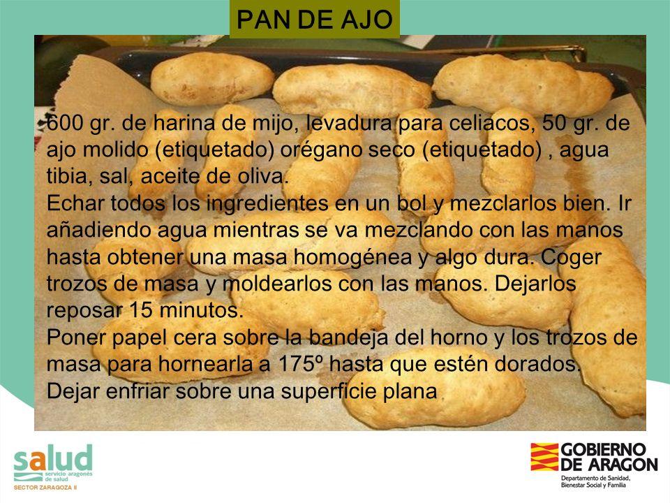 600 gr. de harina de mijo, levadura para celiacos, 50 gr. de ajo molido (etiquetado) orégano seco (etiquetado), agua tibia, sal, aceite de oliva. Echa
