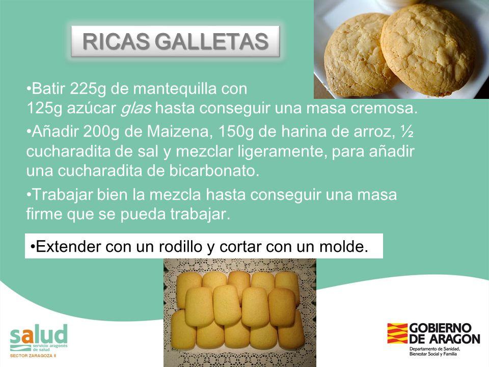 RICAS GALLETAS Batir 225g de mantequilla con 125g azúcar glas hasta conseguir una masa cremosa. Añadir 200g de Maizena, 150g de harina de arroz, ½ cuc