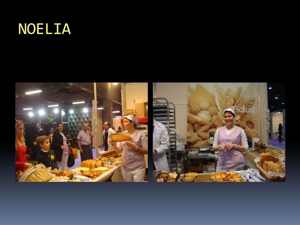 Presentamos productos recién horneados: Panes, napolitanas,…