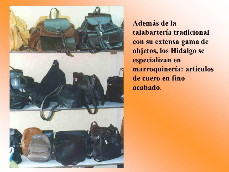 Además de la talabartería tradicional con su extensa gama de objetos, los Hidalgo se especializan en marroquinería: artículos de cuero en fino acabado