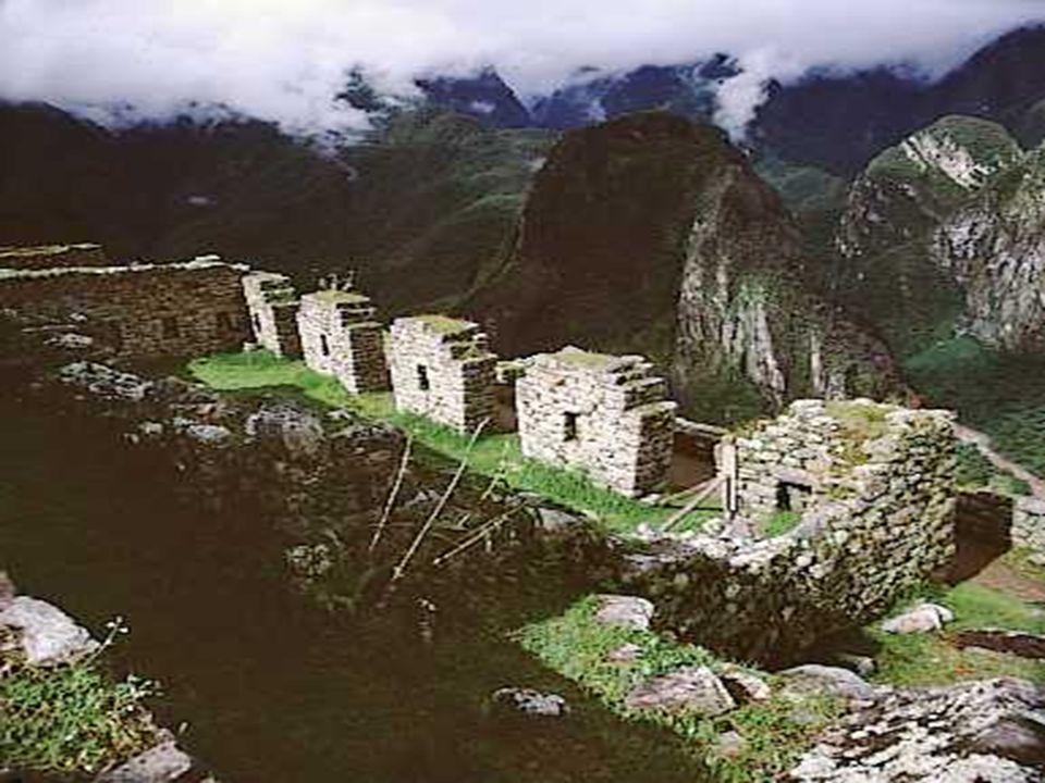 Desde entonces se inicio el deterioro de sus hermosas edificaciones siendo paulatinamente cubierto por una densa vegetación.