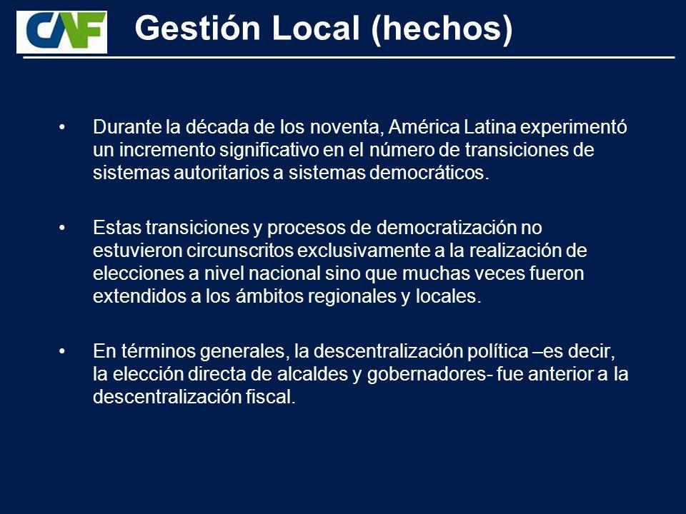 Las estrategias de DEL se diferencian de las intervenciones de arriba hacia abajo en tres aspectos fundamentales: El nivel de intervención, ya que en el DEL son las instituciones locales y regionales las que implantan las políticas, y no el gobierno central.