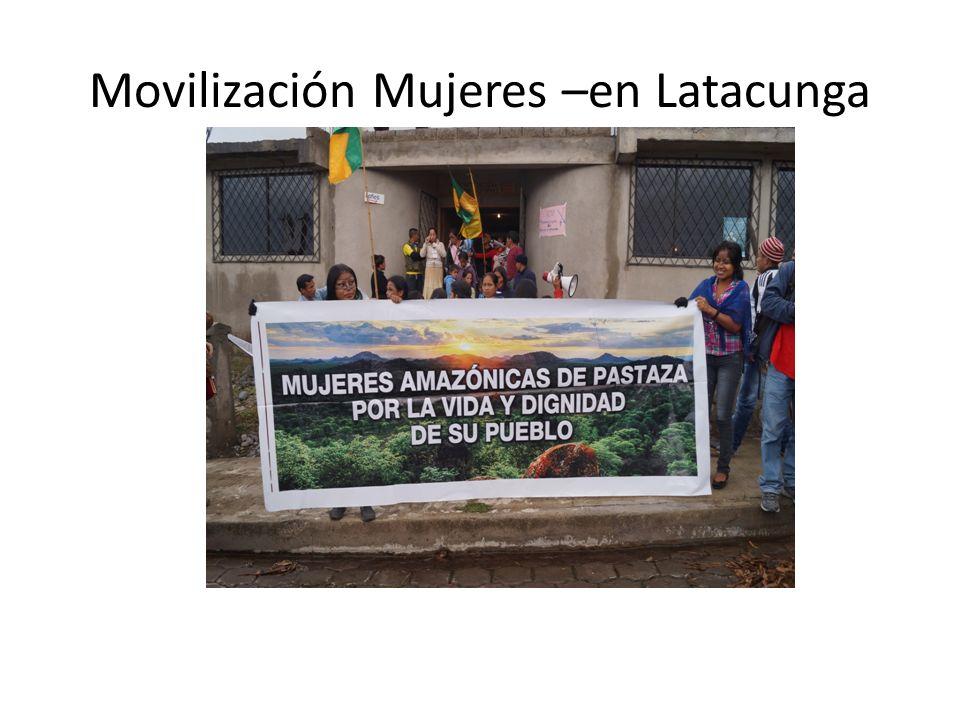 Movilización Mujeres –en Latacunga