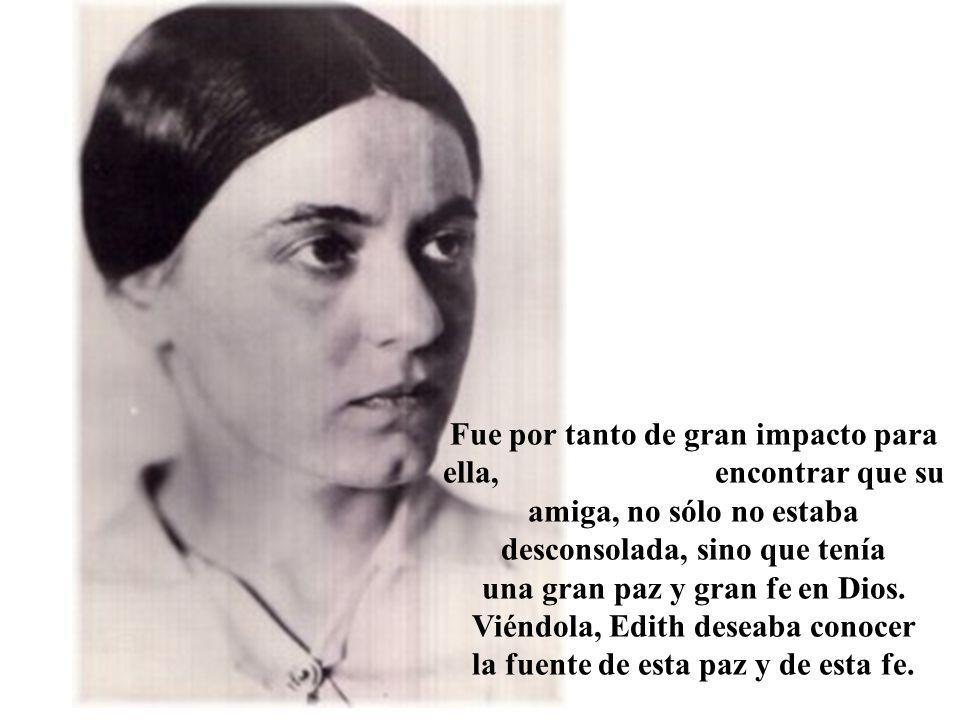 Empieza a trabajar como maestra en la escuela de formación de maestras de las dominicas de Santa Magdalena.